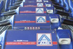 warum heißt aldi in österreich hofer